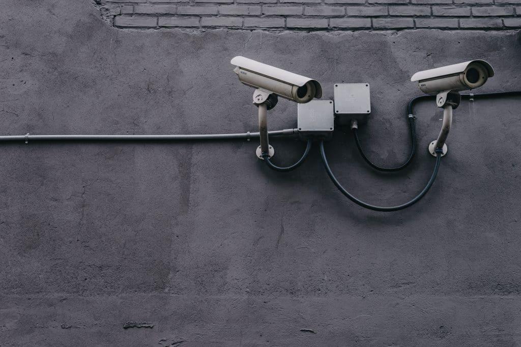 Kamera, hier ist eine DSFA notwendig eine Risikoanalyse sowieso.