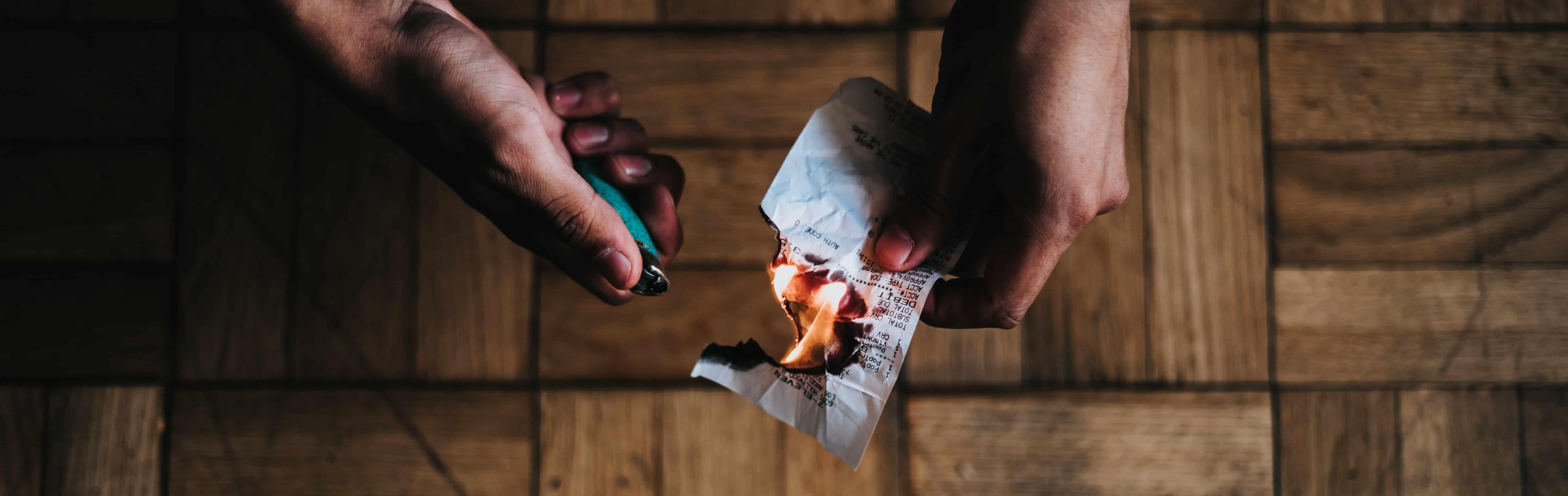 Brennendes Papier DSGVO
